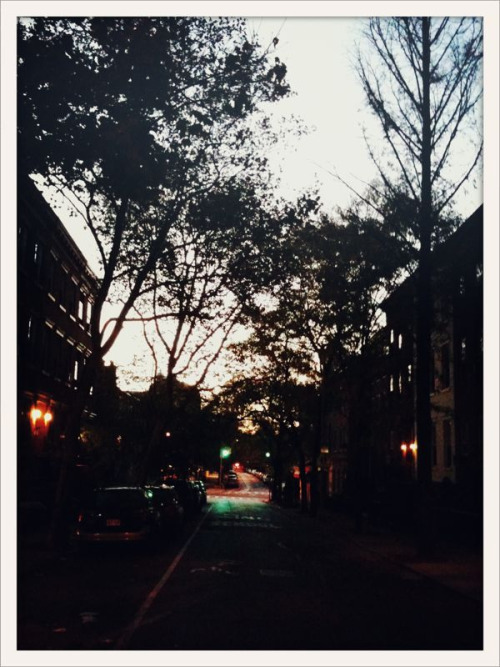 bonnietsang:  Brooklyn, NY, at 7am My first hometown! Love this Bonnie.