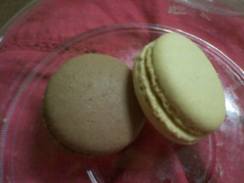 Macaroons… been seeing a Lot of this in my personaL tumbLr dashboard… & been curious since… thankfuLLy, i have a very good friend (iyah a.k.a B) who bought me a box-fuLL of these cute Looking food… =))) it tastes Like meringue but with fudgy fiLLings… i tried vaniLLa, chocoLate, coffee, & one other fLavor that i forgot what… oh & i aLso forgot where my friend bought these… but i know its somewhere in Makati… if im not mistaken, its at GLorietta MaLL…