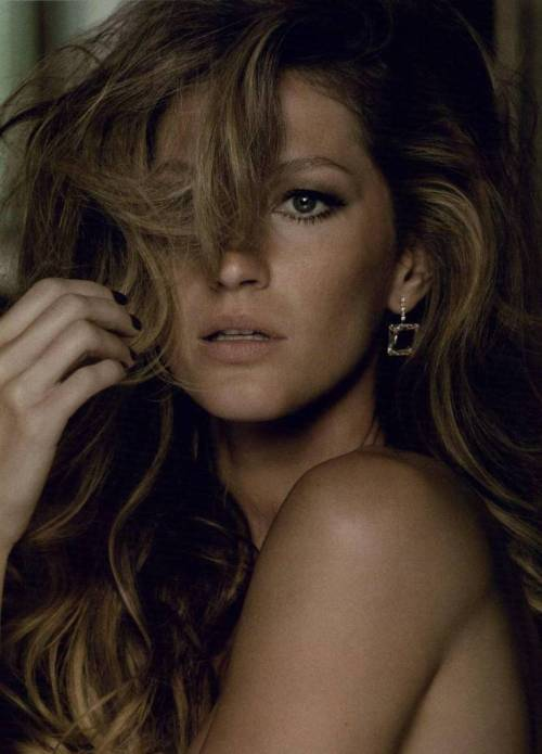 Gisele Bündchen by Jacques Dequeker Vogue Brasil October 2010