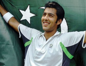 Green stripes help keep Aisam Ul-Haq fresh on the court (in more ways than one).