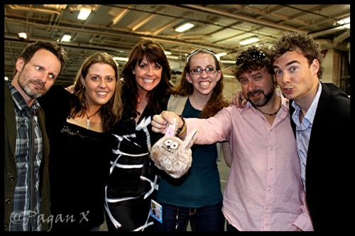 RyanRobbins, Me, AmandaTapping, @Kirsten_Faith , DamianKindler, RobinDunne on the Shat Ship at San Diego Comic Con 2010