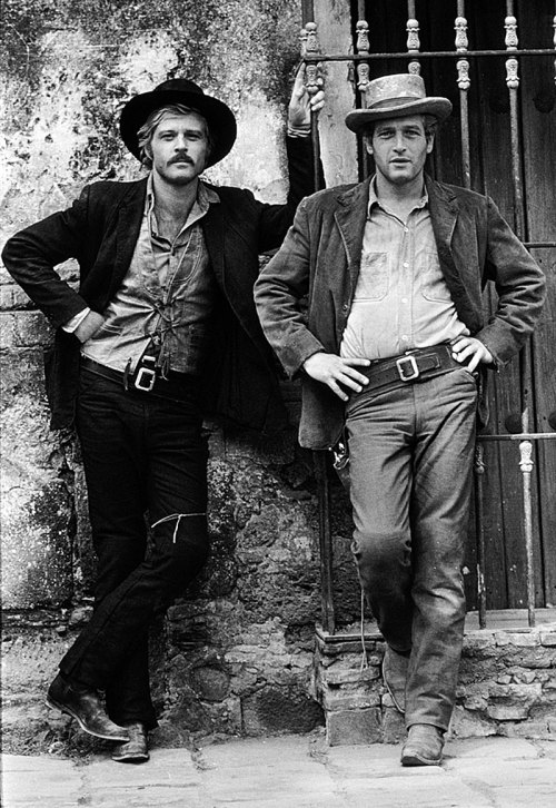 Robert and Paul pose for a publicity shot on the Mexican set of Butch Cassidy and the Sundance Kid in 1968. factoseintolerant:  Robert Redford & Paul Newman