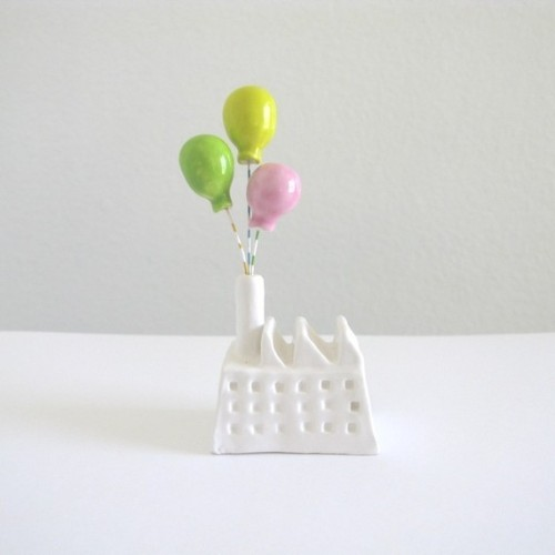 jorpins:  Balloon Factory by PearsonMaron on Etsy.