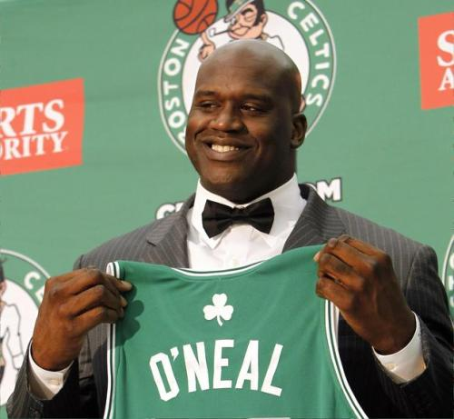 "Green might be a typically ""Muslim"" color, but Shaquille O'Neal also looks better in it for other reasons."