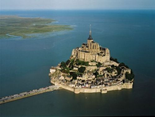 allthingseurope:  Mont Saint Michel, France- Another Place In My Wishlist! Awesome!