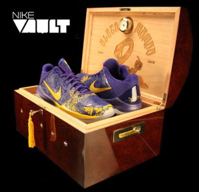 Nike Zoom Kobe V '5 Rings' – Limited Edition Humidor Box