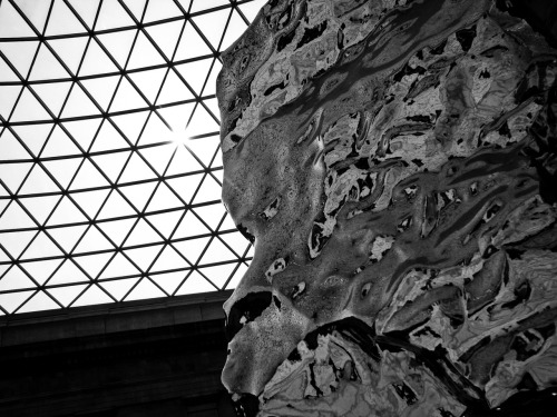 Sculpture inside the British Museum 2009. Digital. Canon S5IS.