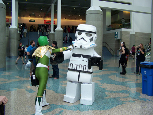 Clone Trooper Assault (by pnutbuttagirl)
