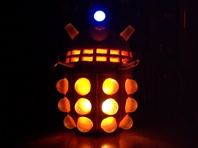 Dalek pumpkin via Planet Gallifrey