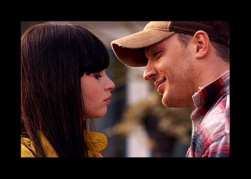 frozenyogurt:  TOM HARDY. FELICITY JONES. I NEED TO WATCH IT ASAP. OMG. OMG.  Thought I was the only one who tuned in. Think I was a lot easier to entertain in '07.