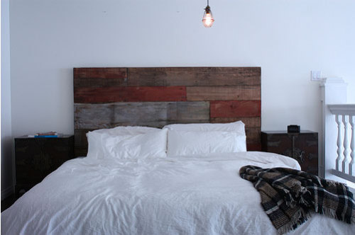 Amazing headboard! If I didn't already have my dream bed, I'd try out this.