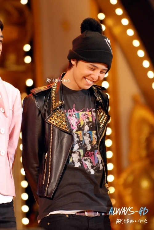 babygeedee:  yourboygd:  kekek~ i have this framed.. >_>  yah so cute *-*