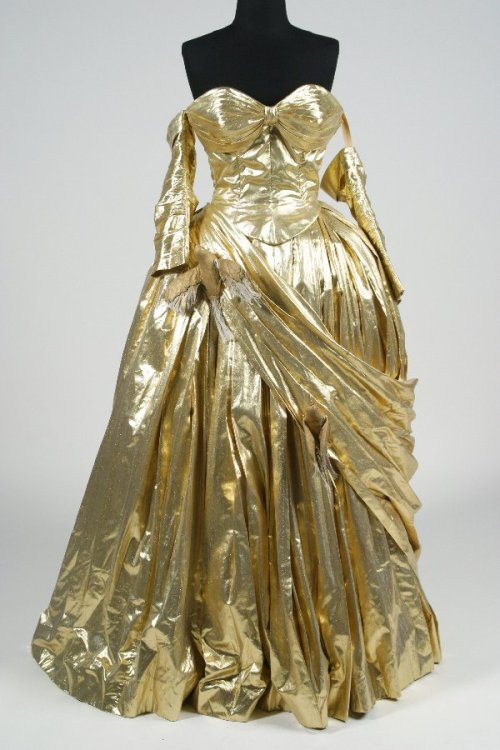 To Catch A Theif (1955)worn by Grace Kelly as Frances Stevens in the costume ball scenesby Edith Head