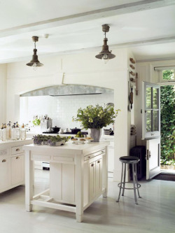 Lovely kitchen in London. (via My Paradissi)