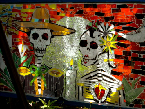 yesterday was day of the dead. and i took this pic a few months ago so i guess you can say im officially a lagger! sorry im late! and sorry i've been MIA from tumblr but i promise when i do drop in i'll leave some cool pixl <3 chelsey <3