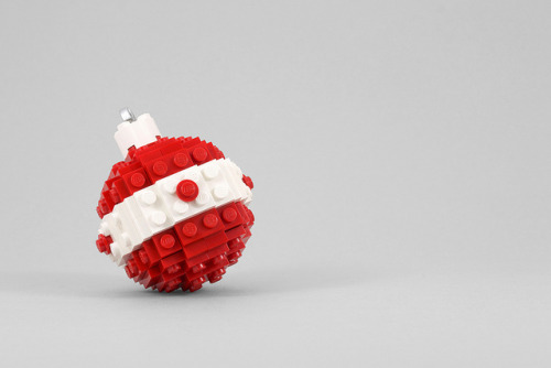 Build It Yourself: Lego Holiday Ornament (by Chris McVeigh)