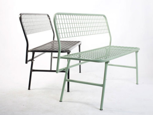 The Overdose bench is made of metal wire and tubing and can be quickly collapsed flat for storage. Ali Bei Building Workshop have designed a collection of foldable cafe furniture for My Little Cafe in Bordeaux.  ::moco loco::