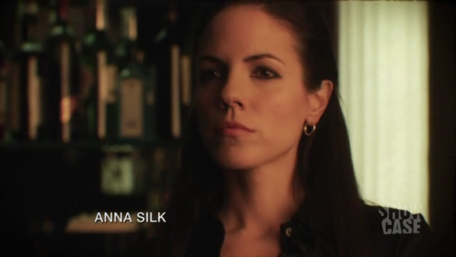 I did promise I'd do a little Lost Girl spam.