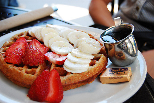 Today there´s no cake for vous. Lets have something more healthy: Waffles!