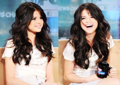 flashback-humor: If I could look like anyone it'd be Selena Gomez or Vanessa Hudgens. They always look gorgeous and happy <3