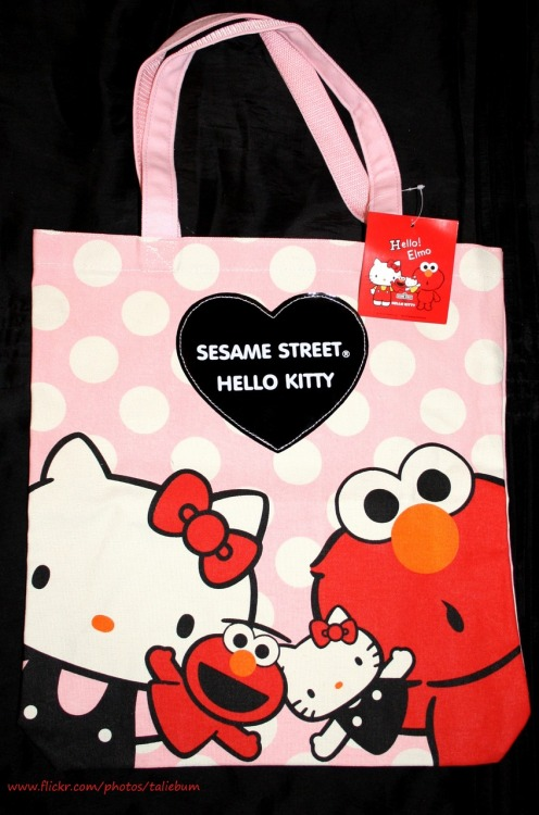 Hello Elmo Tote Bag / taliebum Hello Kitty x Sesame Street Japanese exclusive collaboration.