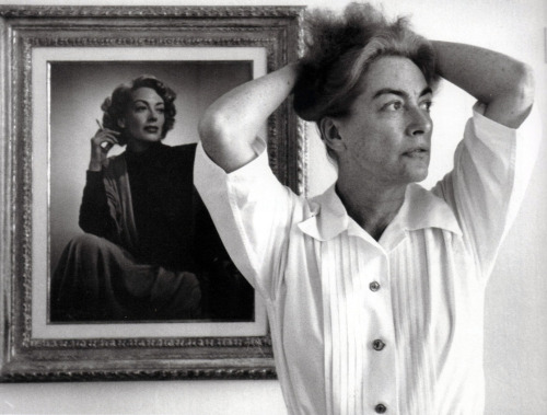 Joan Crawford at home in 1959 Photographed by Eve Arnold Image Source: LiveJournal