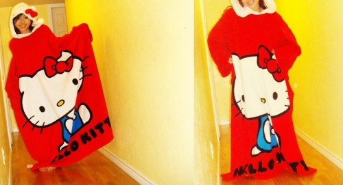 hello-kitty: Hello Kitty Snuggie (: / sherricruz