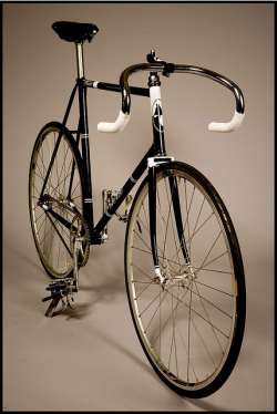Gorgeous gorgeous bikes by Thomas Callahan, Horse Cycles. Horse Cycles is a one-man custom bike shop tucked away in the streets of Brooklyn, NY. Each frame is made with love and care, innovation and inspiration. Horse makes precision bicycles one at a time using the best possible materials while working in concert with the customer to improve their riding experience. Horse offers an outstanding alternative to standard production bicycles by paying attention to the individual to create something that is made locally, by hand, and with no limitations.  Check out more beautiful bike photos here, and a video of Thomas here.