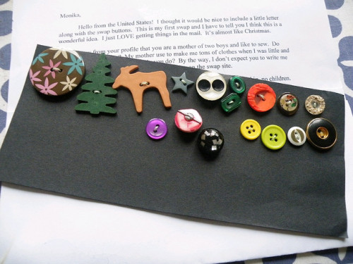 buttons-January-received (by Monika Wintermantel)