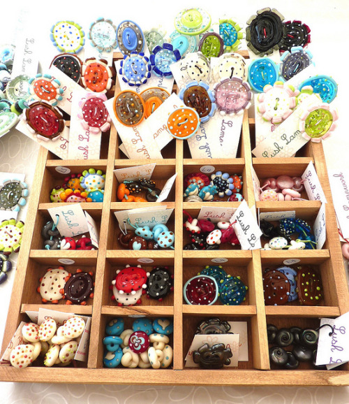 Button Box (by LushLampwork)