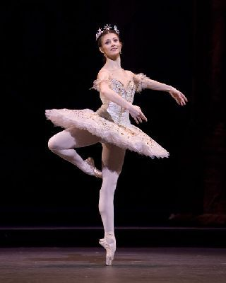 Picture of famous ballerina Alina Cojocaru dancing the role of Aurora in the Royal Ballets production of the Sleeping Beauty