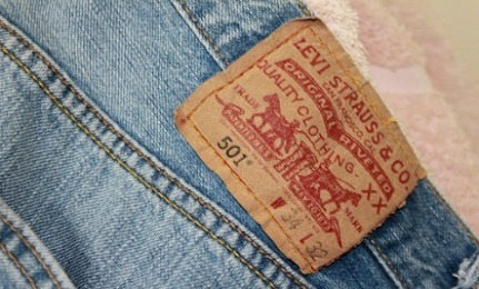 Levi Strauss Creates New Jeans With 28% Less Water Read more: http://www.care2.com/greenliving/levis-new-waterless-jeans-use-28-less-water.html#ixzz14j9suwPy