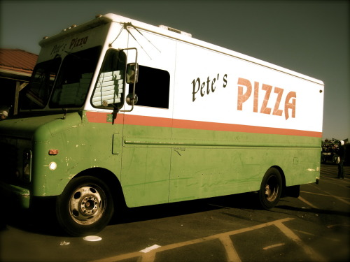 babyinblack:  took this at a flea market yesterday. pete's pizza! i don't know anything about the pizza itself…but i do enjoy the colors of this truck!