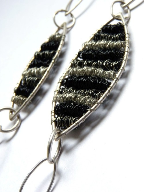 LOVE. Earrings in copper and silver wire by aforfebre, an Argentine artist.