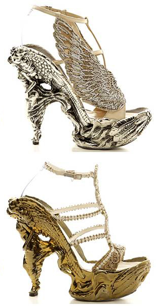 sambasinburn:  allthatshoes:  Alexander McQueen Fall 2011 Shoe Collection   drool  STOP MAKING ME WANT MCQUEEN SHOES EVEN MORE.