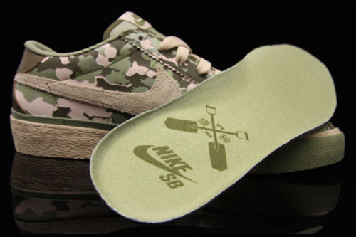 Nike SB Zoom Bruin Camo Quickstrike [Hypebeast] I've set myself the task of picking up all of the Bruins, and I'm almost done (bar the Supremes and the Fluff, I'm not made of money). Normally I'd be all over a mystery QS release, but I hate camo. I'd never wear them, even though as camo goes they aren't bad. But if they're your thing, get on the phone to Premier ASAP.