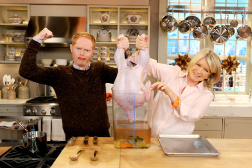 -saturdaynightlive:  Jesse Tyler Ferguson and Martha Stewart doing something awesome with a turkey. In other JTF news, I've decided that he must host the Tony Awards in 2011.   And this is why I love Tumblr.
