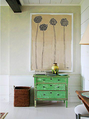 that print… that dresser… swoon