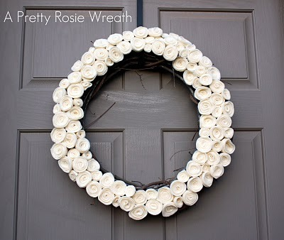 gluestickgirl:  The Pretty Poppy: A Pretty Little Rosie Wreath