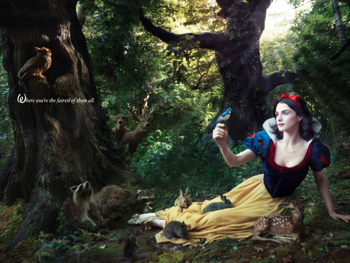 Rachel Weisz as Snow White Snow White Portrait by Annie Leibovitz