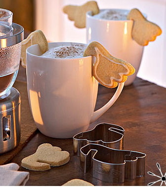 justinetaylor:  Cookie angel wings for your hot chocolate
