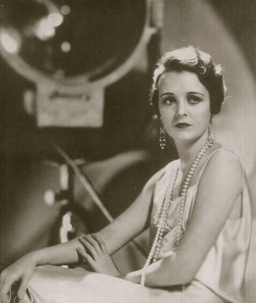 Mary Astor in a publicity photo in a 1931 issue of the Argentinean Cinelandia magazine Image Source: Wikimedia Commons
