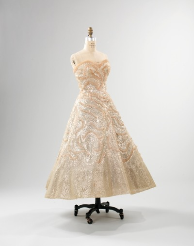 omgthatdress:  Christian Dior evening dress ca. 1952 via the Costume Institute of The Metropolitan Museum of Art