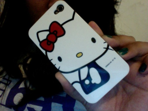 my iphone4 hello kitty case (: