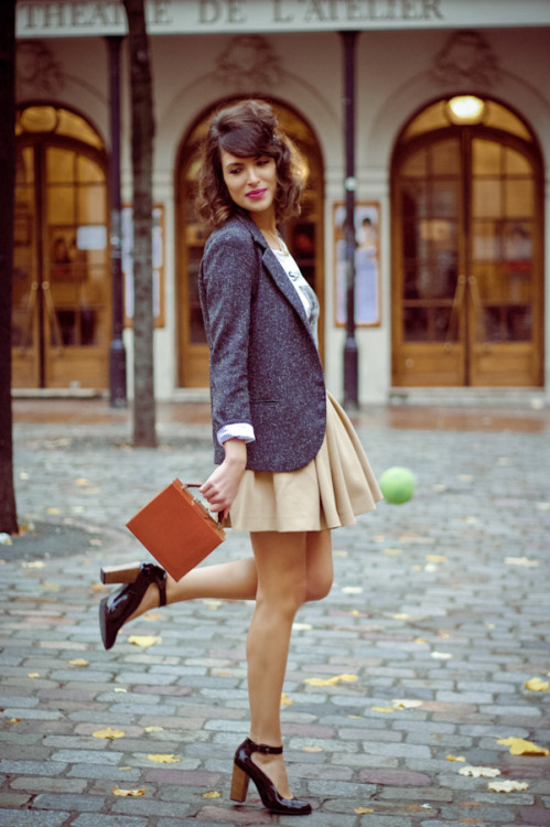 brayofmyheart:  need: tweed blazer.