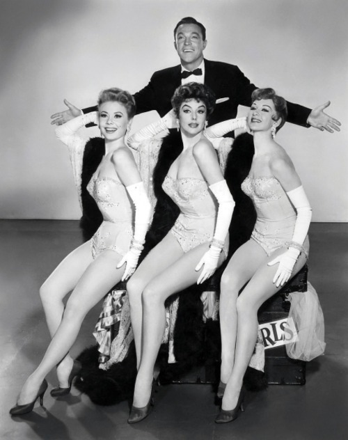 Gene Kelly and friends, Kay Kendall, Mitzi Gaynor and Taina Elg Les Girls - (1957)