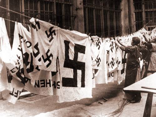 billyjane:  Nazi Laundry,1935 [source]