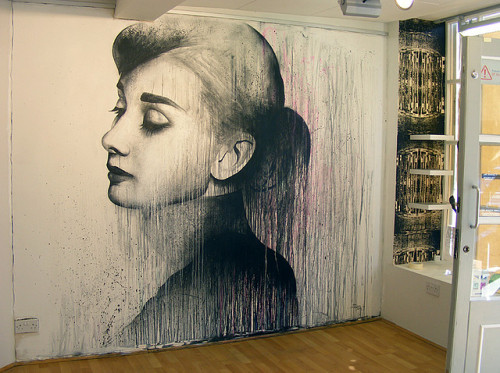 AMAZING! I love Audrey Hepburn….Phenomenal work!