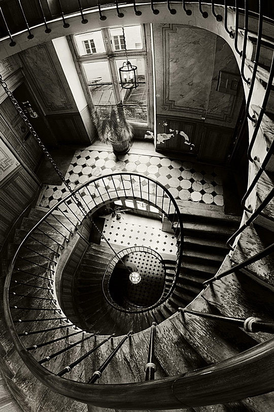 weandthecolor:  Old Interior and Architecture Photography Carpe Diem by FrankBa