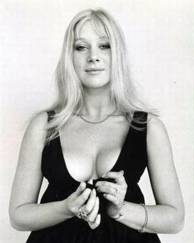 "this is why helen mirren is ""still hot"", people"
